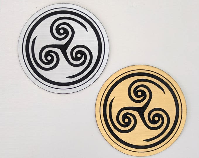 Hellblade Senua's Sacrifice magnet, metallic silver and gold, Laser engraved. Great gift for gamers