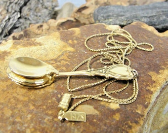 Awesome Estate Vintage 1928 Gold-Tone Necklace w/ Spoon Locket Pendant