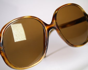 Size Medium Tiger Stripe Pattern 1970's Oversized Marked 'Greece-TH 380CA 01CA240' Semi Clear Orange and Brown Sunglasses With Glass Lenses
