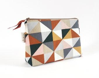 Cosmetic bag, cosmetic bag, make-up bag, brown checkered, graphic