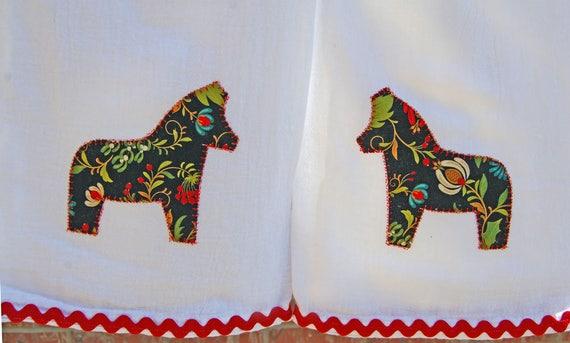 SWEDISH FOLK ART DALA HORSE MACHINE EMBROIDERED FLOUR SACK DISH TOWEL
