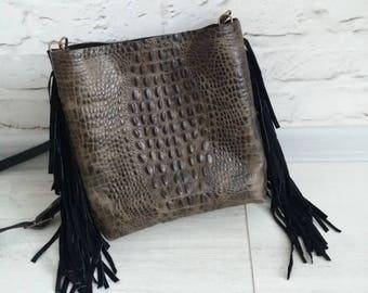 crossbody bag with fringe