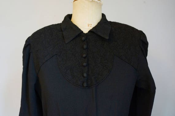 1930s Black Dress with Lace - image 4