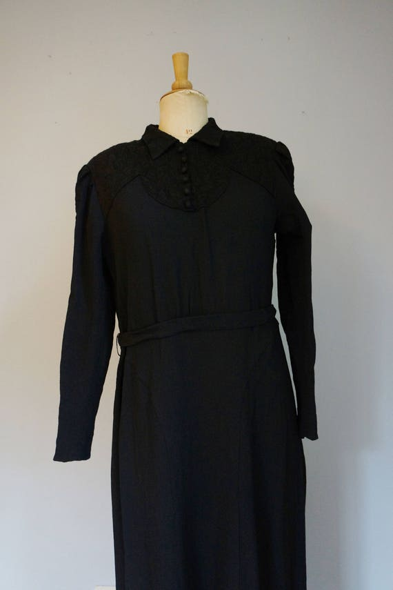 1930s Black Dress with Lace - image 2