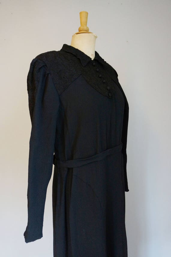 1930s Black Dress with Lace - image 5