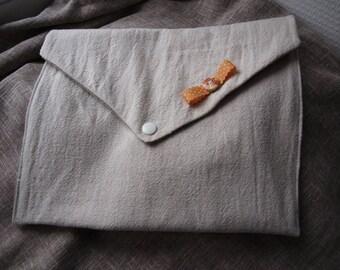 Linen diaper pouch
