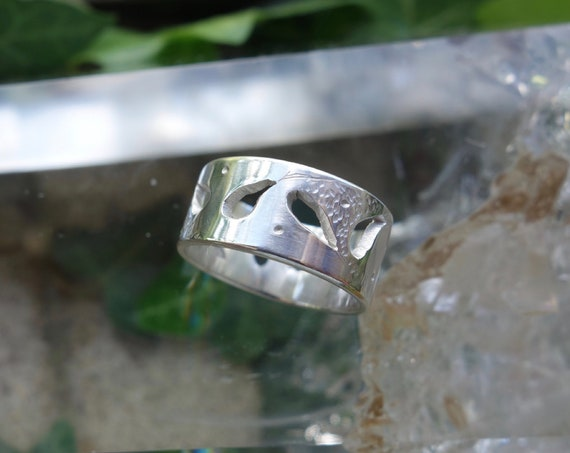 Ring women ring in Sterling Silver openwork with hammering and engraving. For wedding, anniversary.