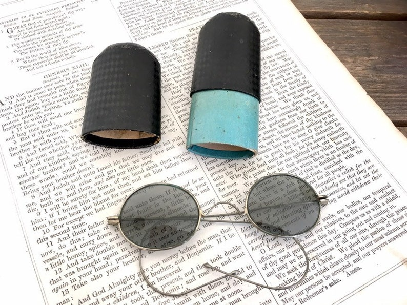 8f8aa236170 Antique spectacles vintage sunglasses with case oval round