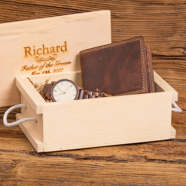 0500d5f20 Con monograma cartera y reloj de madera aniversario   Etsy
