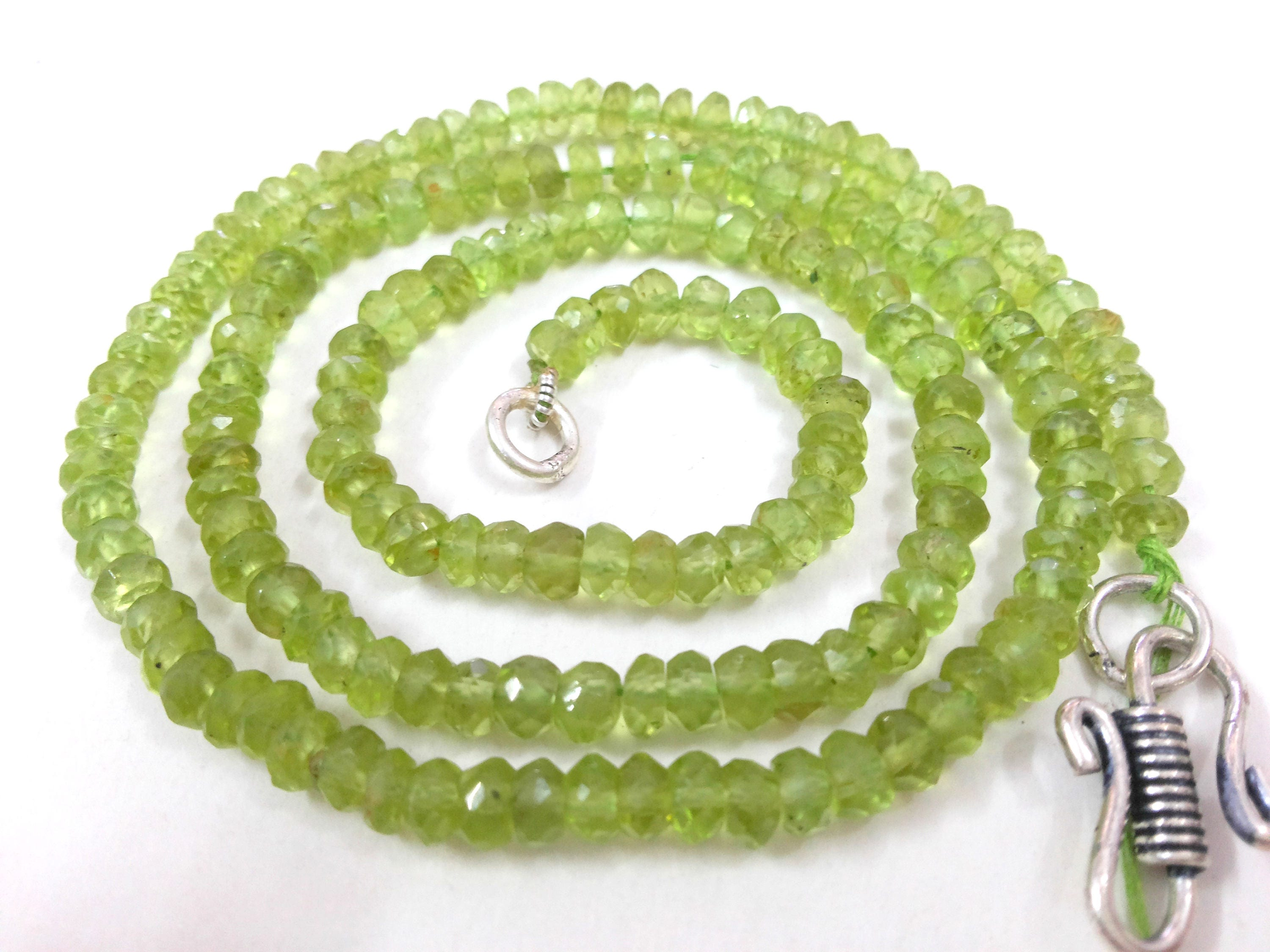 """Natural Peridot Smooth Oval AAA Quality 4x6 mm Gemstone Beads 13/"""" inch"""