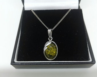 9523e4d1c Vintage Pretty and Dainty Green Amber and Silver Drop Pendant And Chain  Lovely Wedding Jewellery