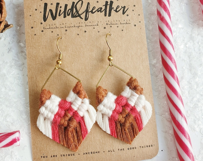 Wild And Feather macrame earrings: Molly luxe mini - reindeer