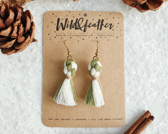 Wild And Feather macrame earrings: Dots - Candy cane green