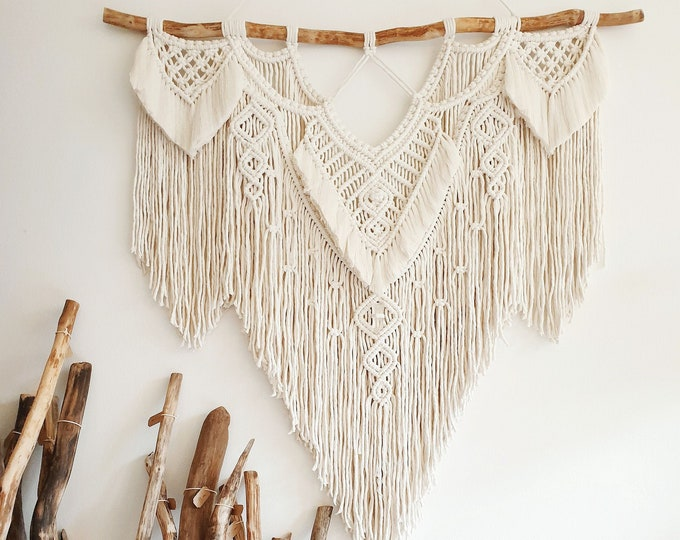 Mira - macrame wallhanging / tapestry size L in natural cotton color