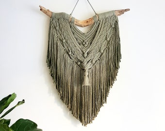 Mary - large macramé wall hanging / macramé tapestry made from 5 mm cotton string in a soft ombre fade from ashy green to mossy green