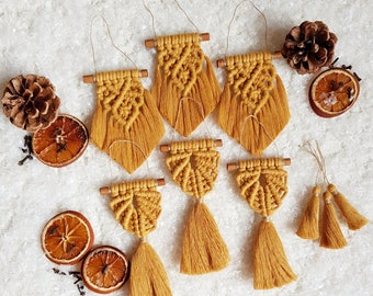 Full ornament set of 9 pieces - mustard
