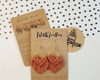 Wild And Feather macrame earrings: Molly mini - rust red