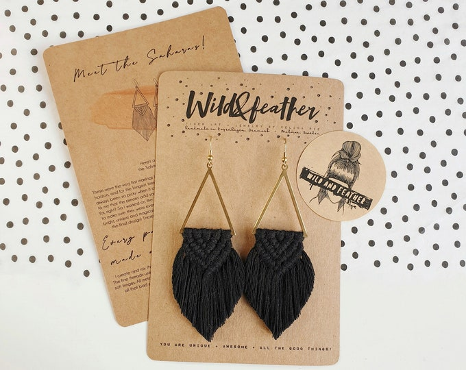 Wild And Feather macrame earrings: Sahara - black