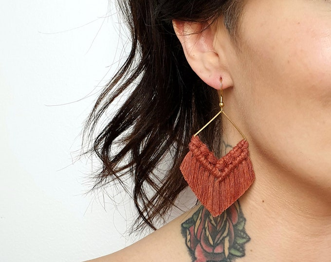 Wild And Feather macrame earrings: Molly - terracotta
