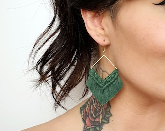 Wild And Feather macrame earrings: Molly - bottle green
