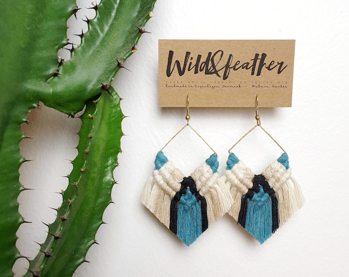 Wild And Feather macrame earrings: Cactus - turquoise