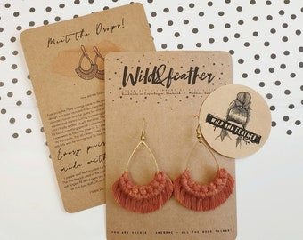 Wild And Feather macrame earrings: Drops - rust red