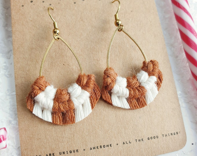 Wild And Feather macrame earrings: Drops mini - Candy cane ginger bread