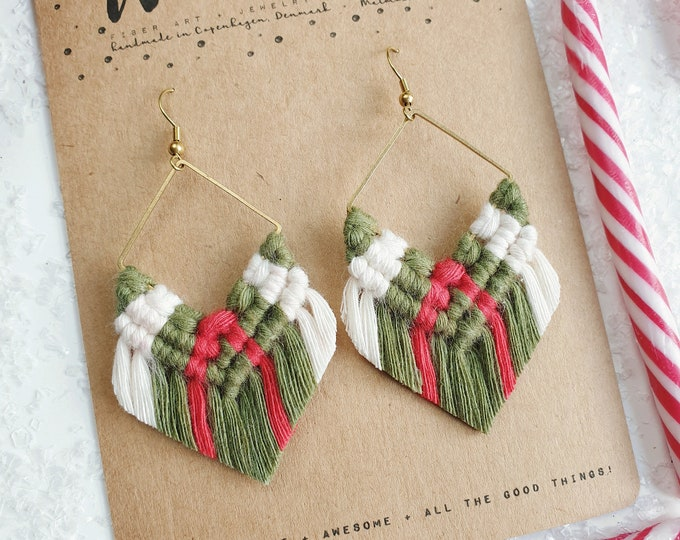 Wild And Feather macrame earrings: Molly luxe - green