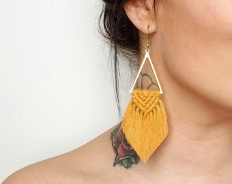 Wild And Feather macrame earrings: Sahara - cognac
