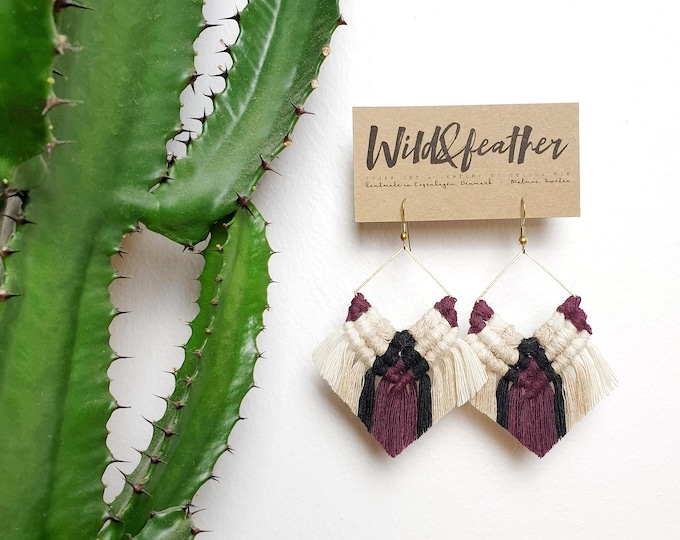Wild And Feather macrame earrings: Cactus - grape