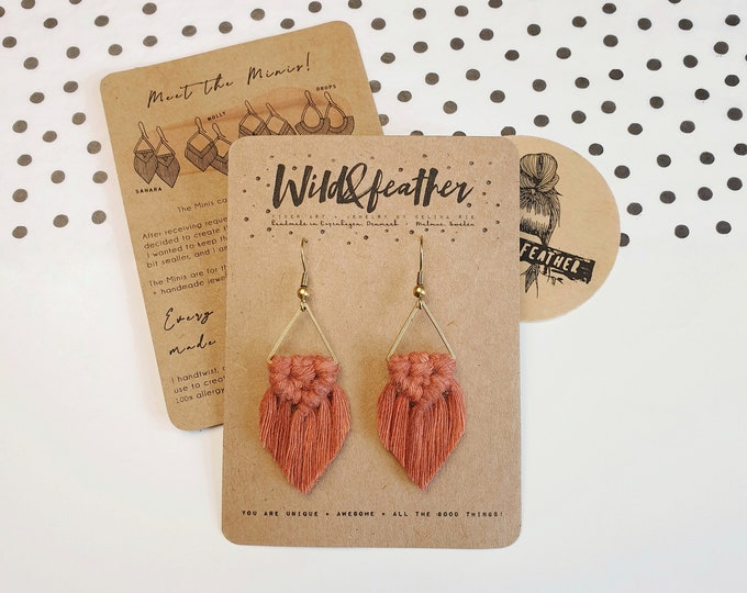 Wild And Feather macrame earrings: Sahara mini - rust red