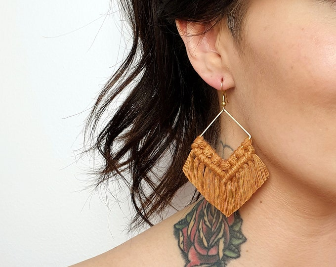Wild And Feather macrame earrings: Molly - camel