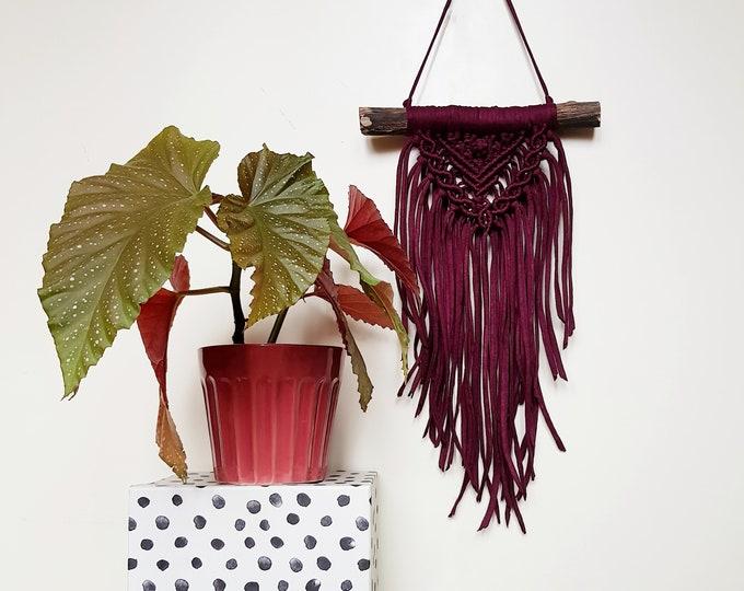 Mini wallhanging - plum