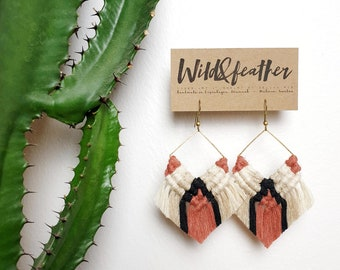 Wild And Feather macrame earrings: Cactus - terracotta rose
