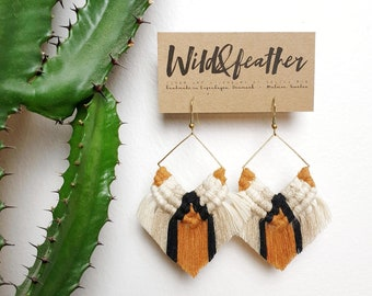Wild And Feather macrame earrings: Cactus - rusty orange