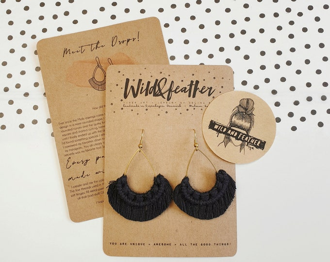 Wild And Feather macrame earrings: Drops - black