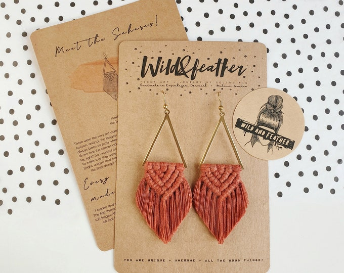 Wild And Feather macrame earrings: Sahara - rust red