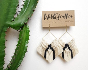 Wild And Feather macrame earrings: Cactus - natural cream