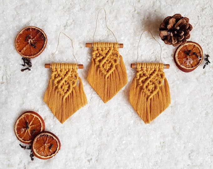 Classic ornaments - mustard