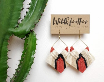 Wild And Feather macrame earrings: Cactus - red