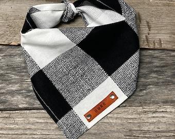 Dog Bandana, Black White Plaid Dog Bandana, Traditional Tie, Personalized Leather Name Tag Bandanna, Scarf, Pet Accessories, Dog Bandana