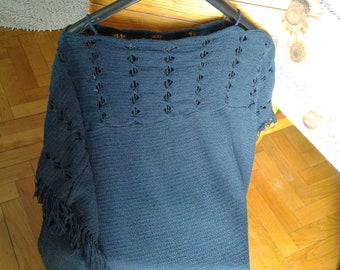 Handmade light poncho, cotton buckle