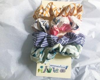 Boho Cotton Scrunchie Set / Pack of 4 / Floral Watercolor Patterned scrunchies / 80s 90s hair accessories / bun holder / slow fashion