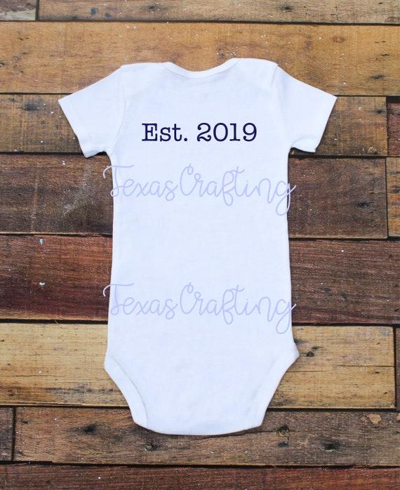 Vêtements pour bébés EST année personnalisé Body bébé avec  29f5833eb2c