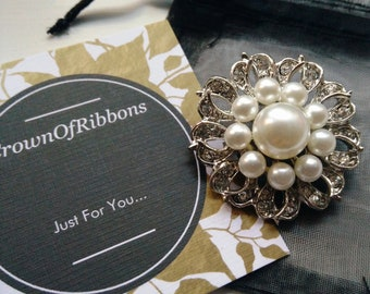 ee40489f1 Wedding brooch, pearl brooch, bridal jewelry, wedding jewelry, mothers day  brooch, vintage pearl brooch, rhinestone brooch, pearl broach