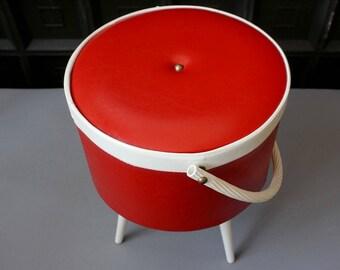Vintage standing sewing box / basket. Mid century sewing basket. 60s/70s