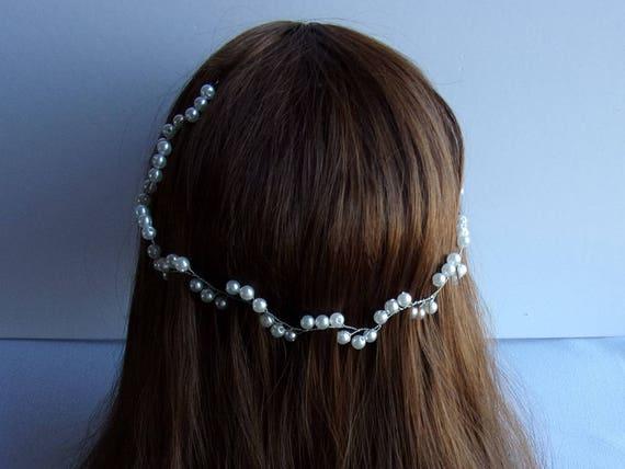 articles similaires vigne de cheveux pour mariage boho avec perles bandeau cheveux de mari e. Black Bedroom Furniture Sets. Home Design Ideas