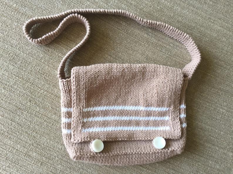 Children's Messenger Bag Knitting Pattern image 0