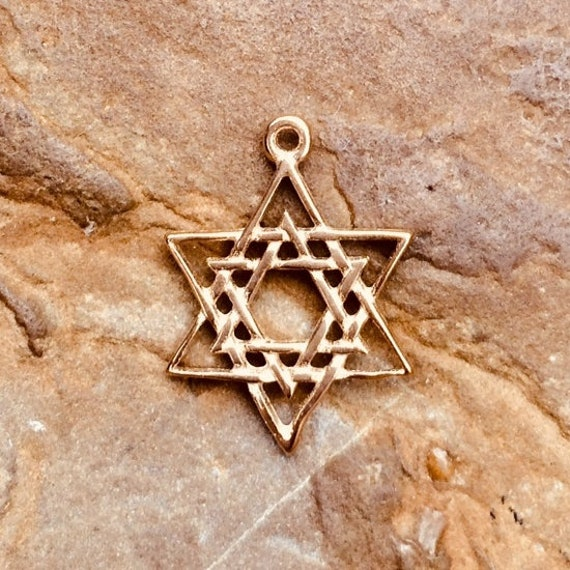 14K Yellow Gold Star of David in Circle Charm Pendant