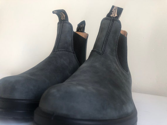 Blundstone Classic Chelsea Boot - Women's size 9,